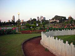 Mumbai: Hanging Garden