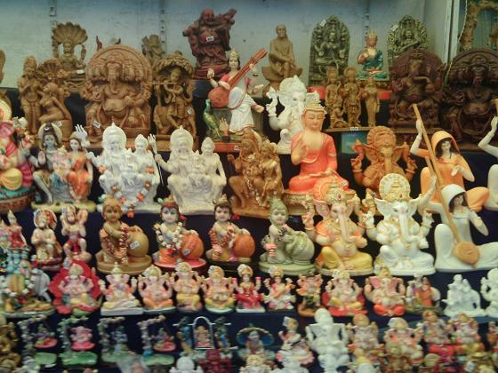 TRADITIONELLE HANDWERKSKUNST Einkaufen in Jaipur, Rajasthan, Indien ...